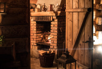 VillaGorsky-grill-fireplace